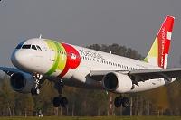 Airbus A320-214 - CS-TNI -