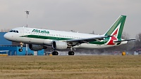 Airbus A320-216 - EI-DTH -