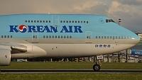Boeing 747-4B5 - HL7498 -