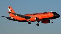 Airbus A320-232 - UR-DAJ -