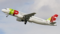 Airbus A320-214 - CS-TNL -