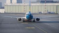 Boeing 737-4Y0 - UR-GAX -