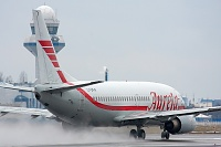 Boeing 737-382 - LY-SKW -
