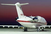 Bombardier Challenger 605 (CL-600-2B16) - N207R -