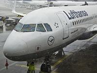Airbus A320-214 - D-AIZU -