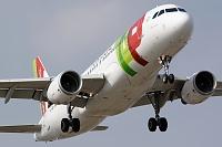 Airbus A320-214 - CS-TNK  -