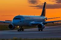 Airbus A320-214 - D-AIZT -