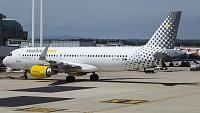 Airbus A320-214 - EC-LVU -