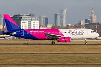 Airbus A320-232 - HA-LWC -