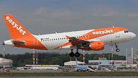 Airbus A319-111 - G-EZDY -
