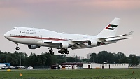 Boeing 747-422 - A6-MMM -