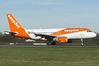 Airbus A319-111 - G-EZFS -