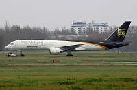 Boeing 757-24APF - N431UP -
